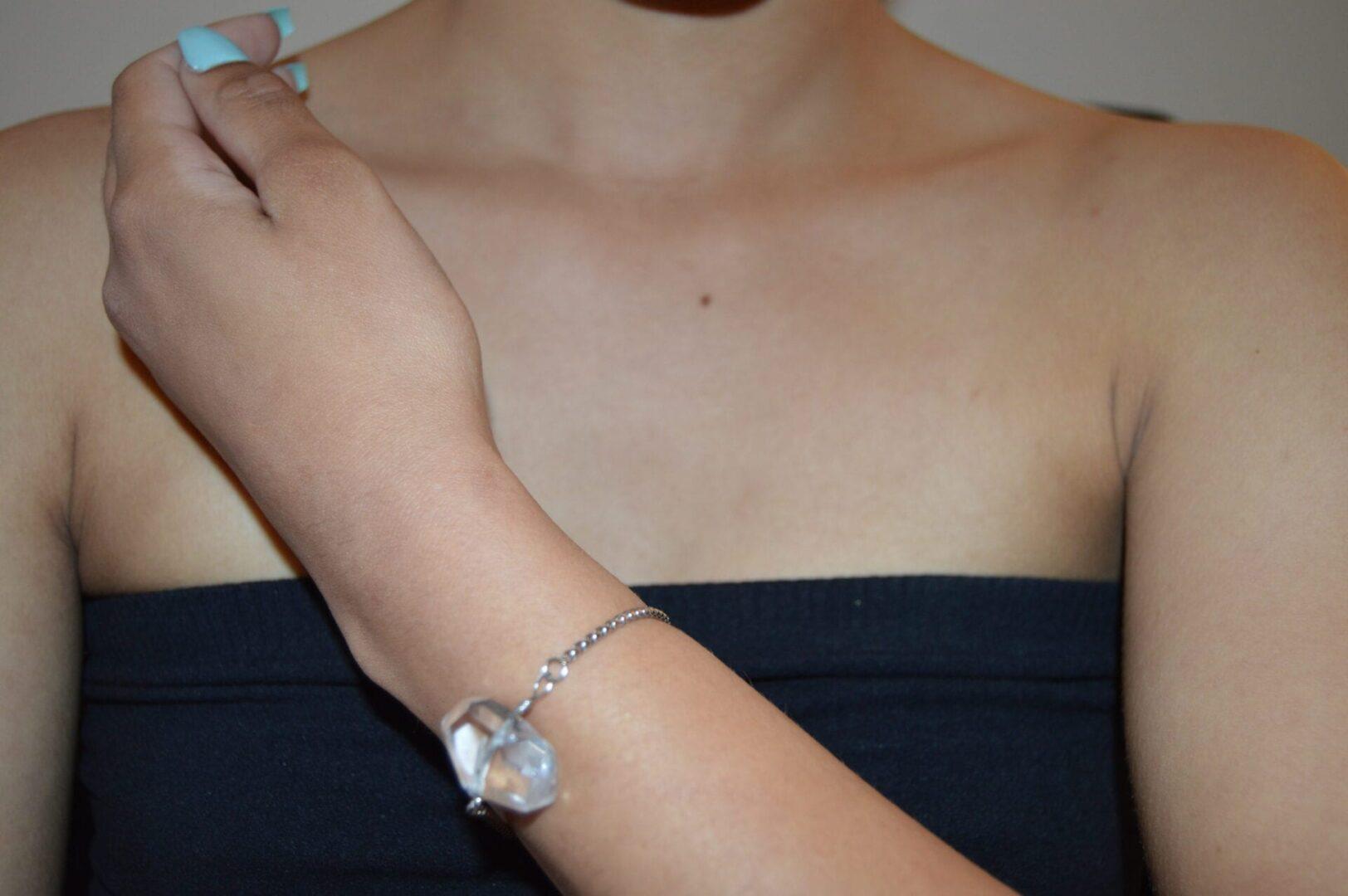 A Rock Crystal Palm Stone Bracelet