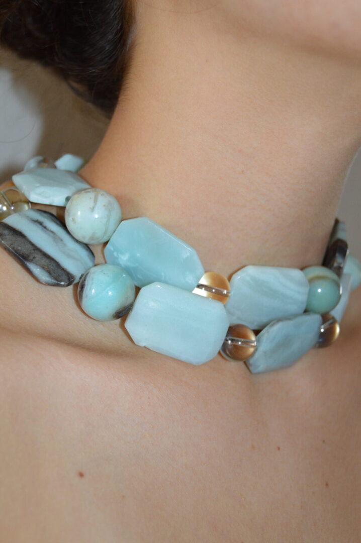 A Luscious Amazon Girl Necklace