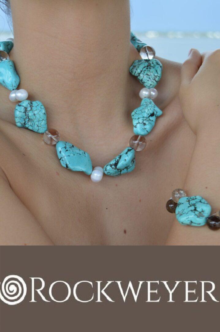 An Island Jewelry Set