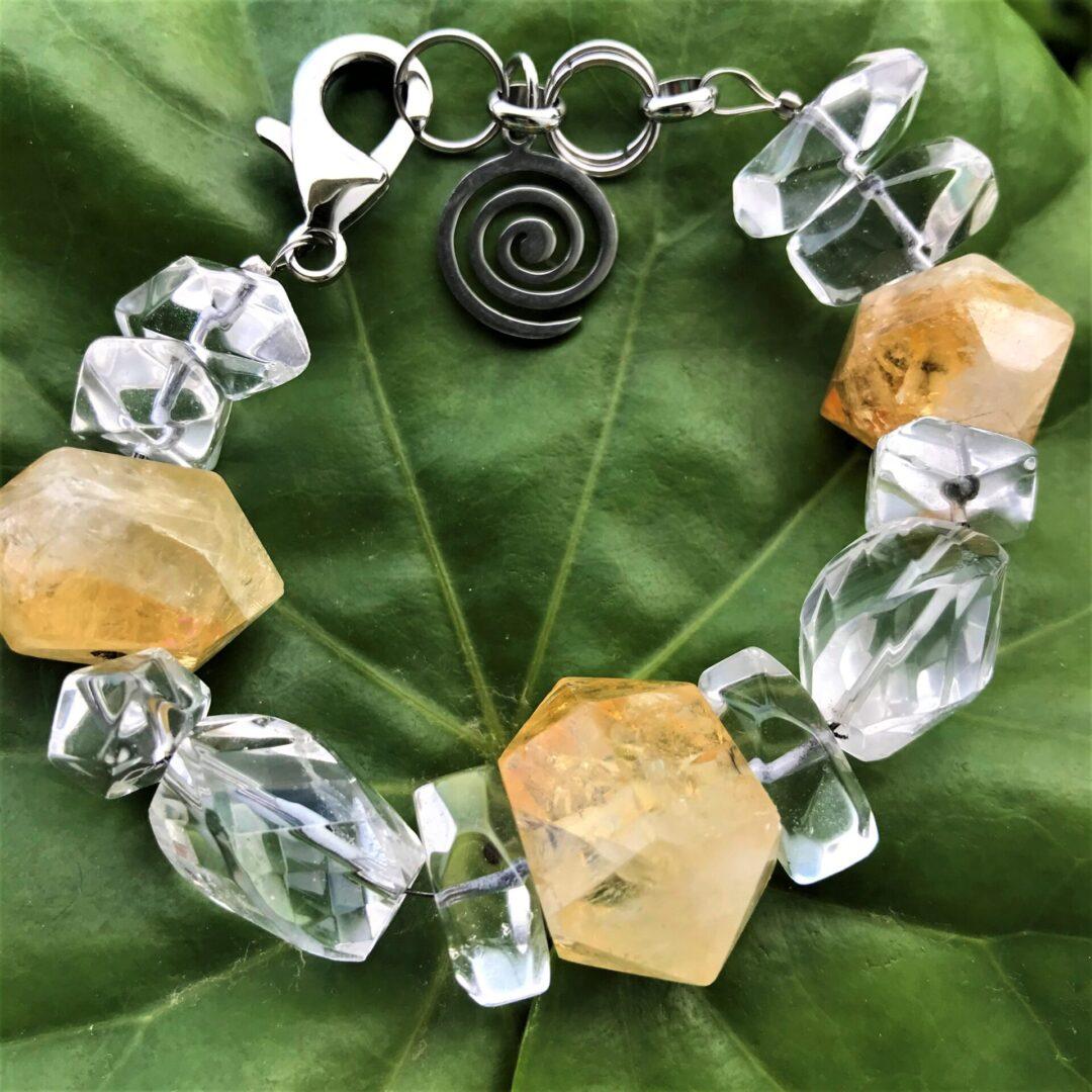 A Dynamic Jewels Bracelet