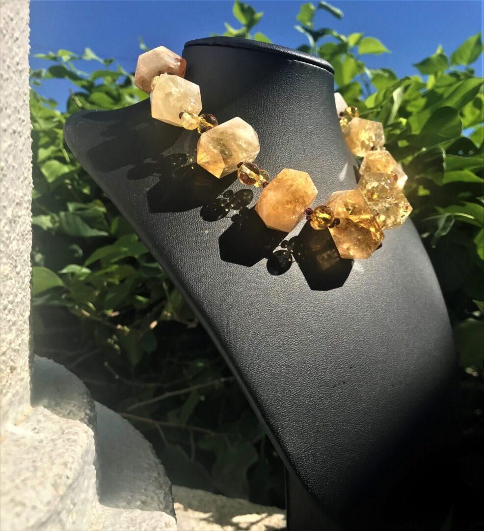 A Dynamic Jewels Necklace