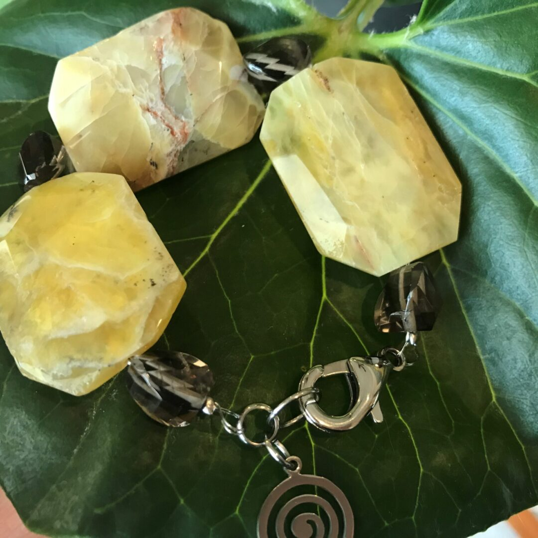 A Golden Jade Princess Bracelet