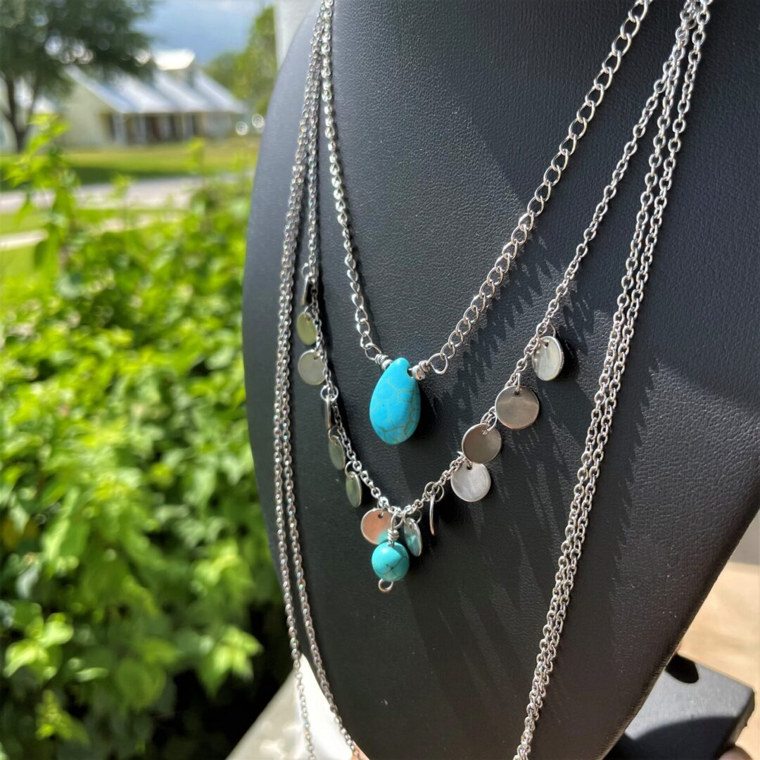 A Howlwite Boho Chich Whisper Necklace Set