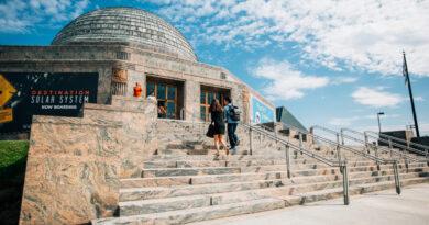 Adler-Planetarium-Exterior