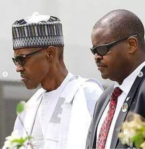 #Buhari Body Guard- sinzuulive
