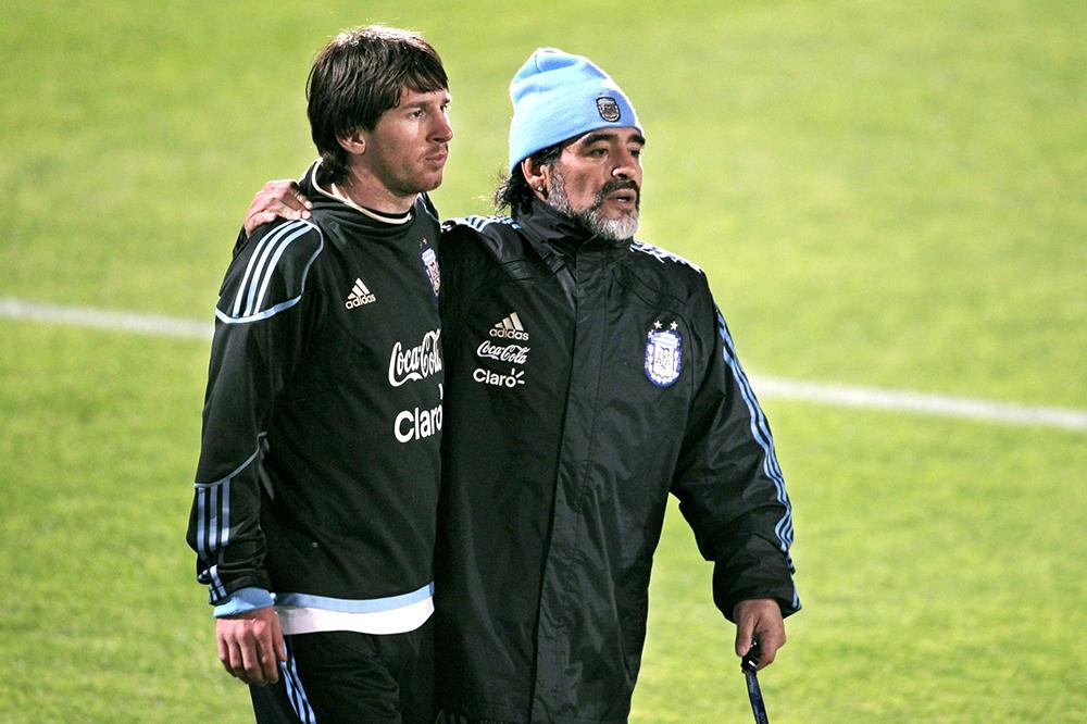 Maradona vive en el pueblo Maradona Lives in Town