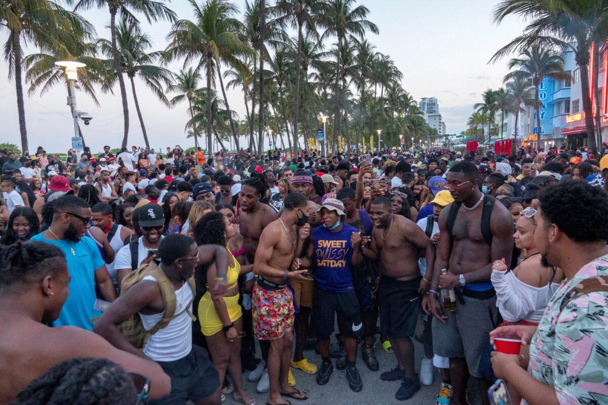 Caos en Miami Beach por celebraciones del Spring Break
