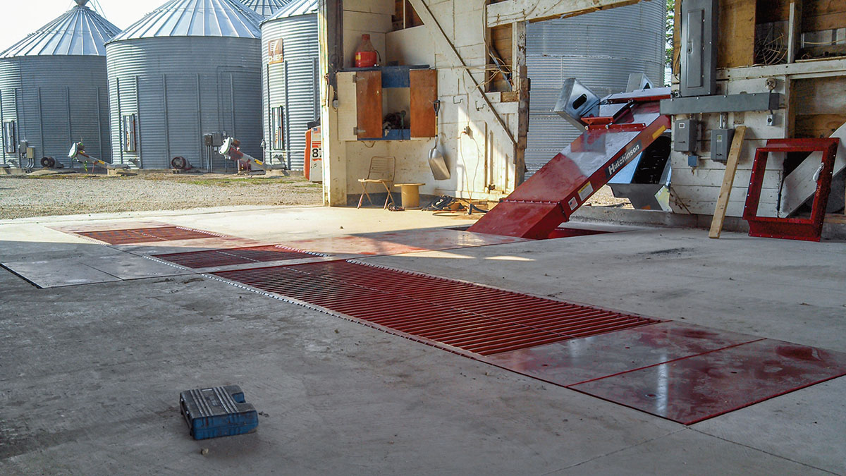 Dual Hopper Chain Conveyor