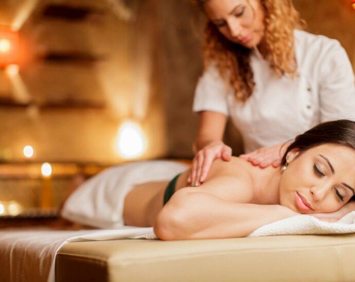 Hand & Stone Massage