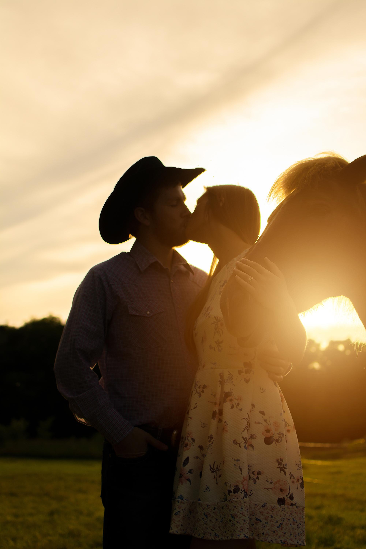 Lindsay-Adkins-Photography-Michigan-Wedding-Photographer-Luke-Shelby-3