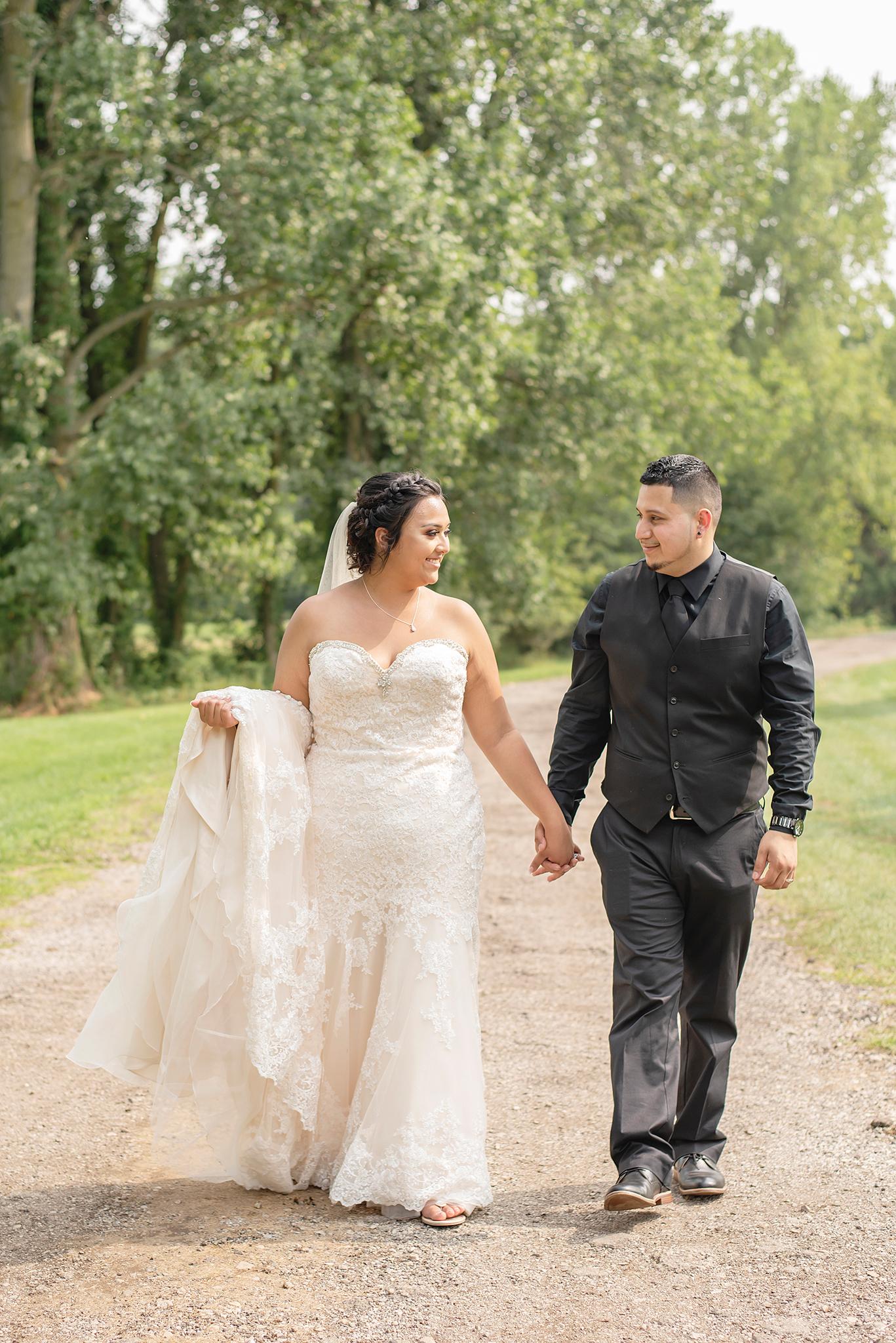 Lindsay-Adkins-Photography-Michigan-Wedding-Photographer-BernalBlog-13