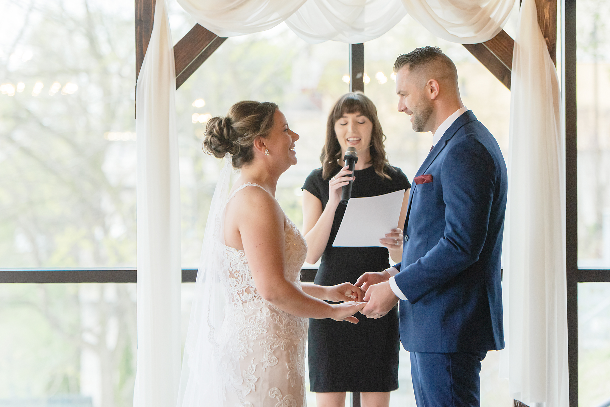 LINDSAY-ADKINS-PHOTOGRAPHY-MICHIGAN-WEDDING-PHOTOGRAPHER-FRANKENMUTH-BREWERY-WEDDING-MICHIGAN-BLOG-25