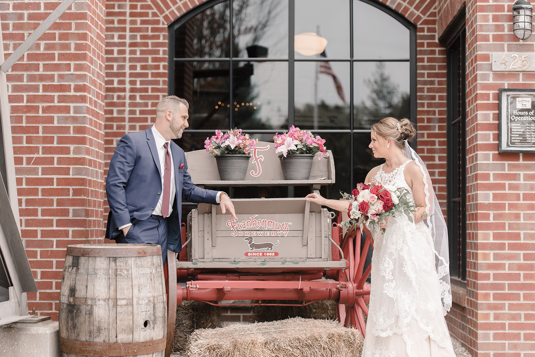 LINDSAY-ADKINS-PHOTOGRAPHY-MICHIGAN-WEDDING-PHOTOGRAPHER-FRANKENMUTH-BREWERY-WEDDING-MICHIGAN-BLOG-27