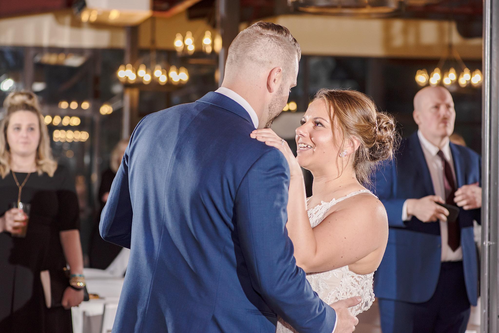 LINDSAY-ADKINS-PHOTOGRAPHY-MICHIGAN-WEDDING-PHOTOGRAPHER-FRANKENMUTH-BREWERY-WEDDING-MICHIGAN-BLOG-32