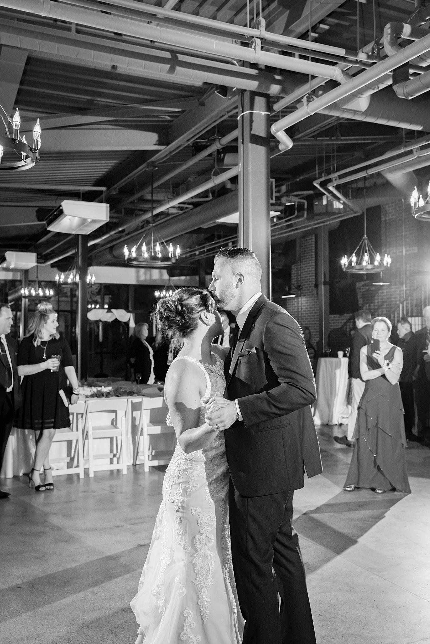 LINDSAY-ADKINS-PHOTOGRAPHY-MICHIGAN-WEDDING-PHOTOGRAPHER-FRANKENMUTH-BREWERY-WEDDING-MICHIGAN-BLOG-33