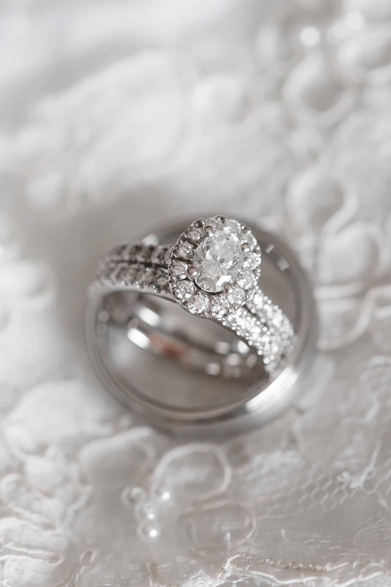 LINDSAY-ADKINS-PHOTOGRAPHY-MICHIGAN-WEDDING-PHOTOGRAPHER-FRANKENMUTH-BREWERY-WEDDING-MICHIGAN-BLOG-5
