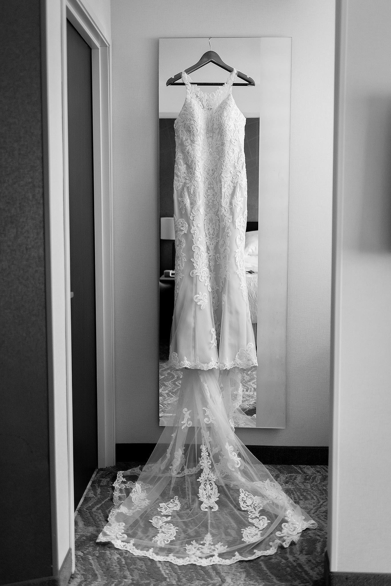 LINDSAY-ADKINS-PHOTOGRAPHY-MICHIGAN-WEDDING-PHOTOGRAPHER-FRANKENMUTH-BREWERY-WEDDING-MICHIGAN-BLOG-8