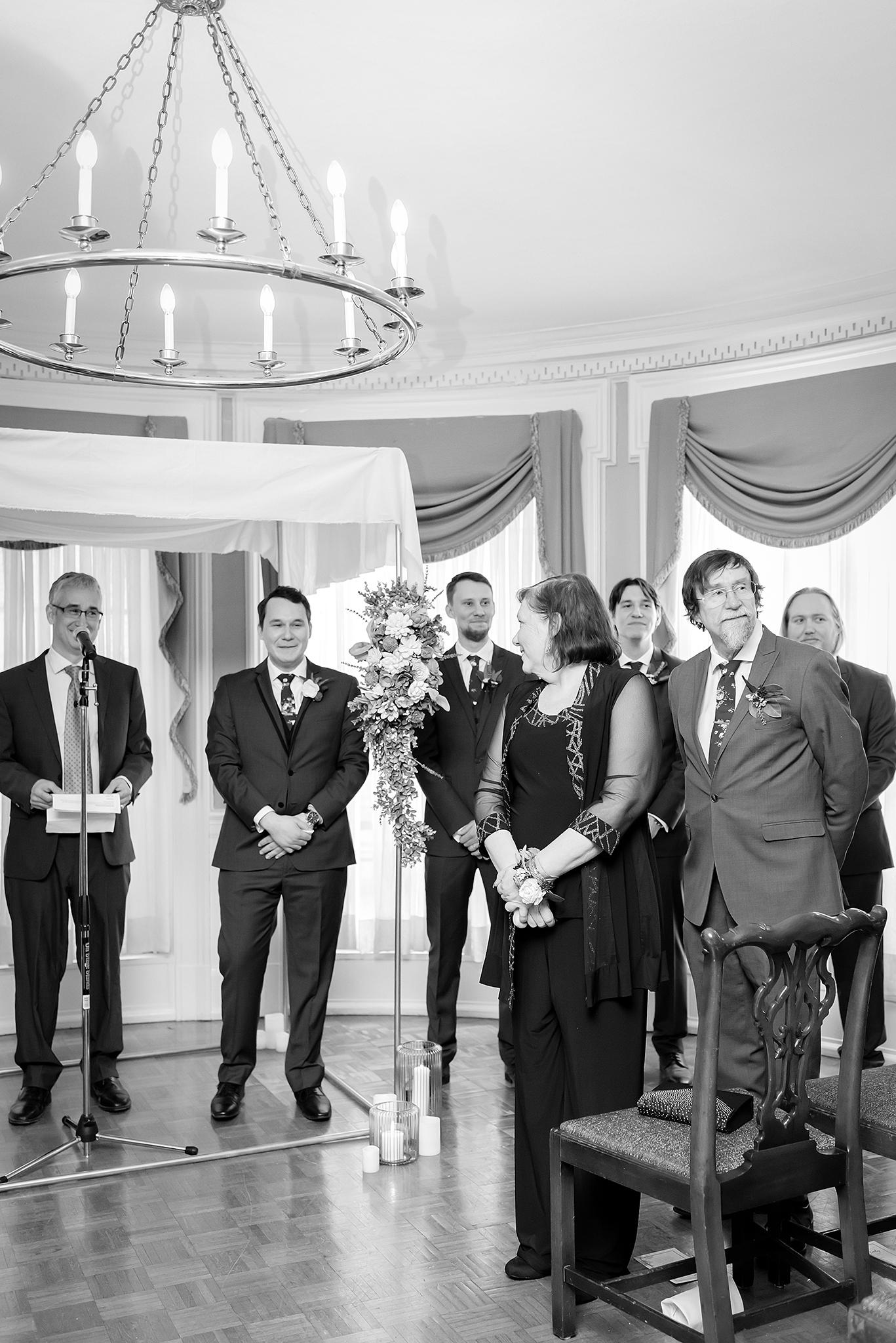 Lindsay-Adkins-Photography-Toled-Club-Wedding-Toledo-Ohio-Wedding