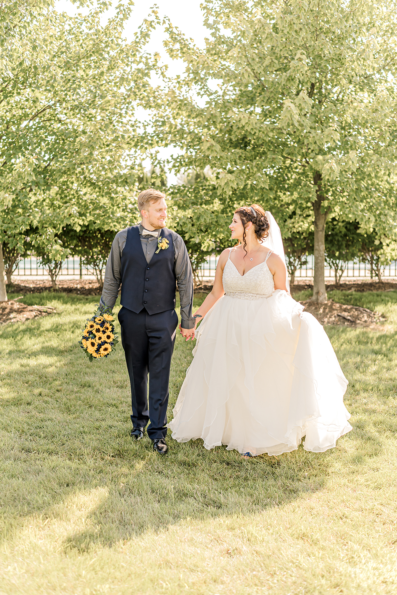 LINDSAY-ADKINS-PHOTOGRAPHY-Michigan-Wedding-Photographer