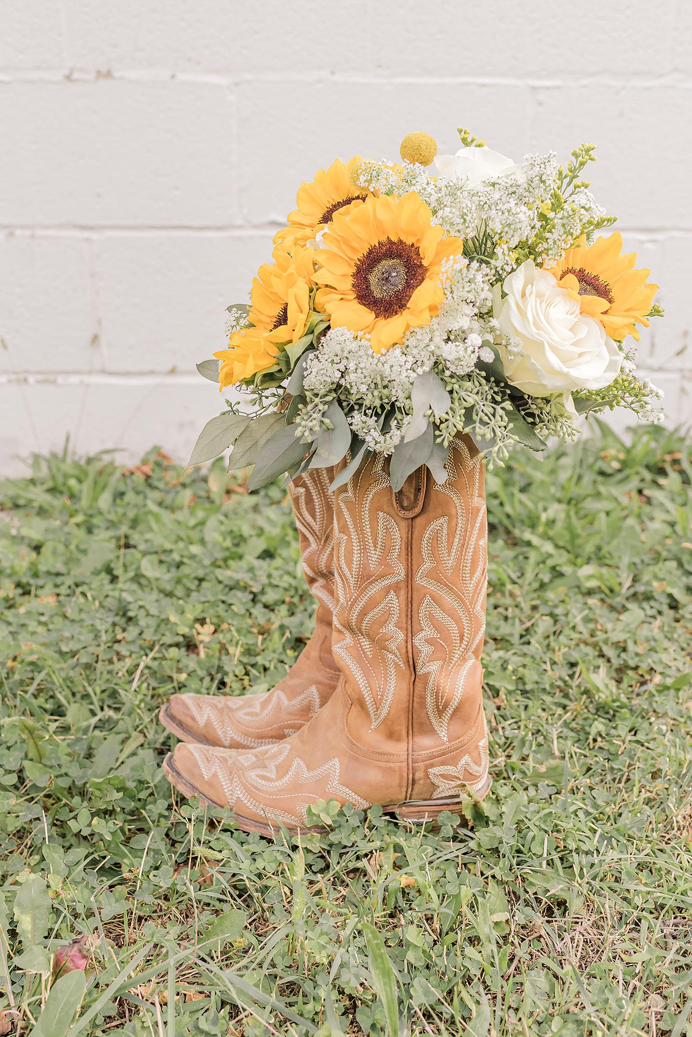 Lindsay-Adkins-Photography-Michigan-Wedding-Photographer-Wind-Hill-Farm-3