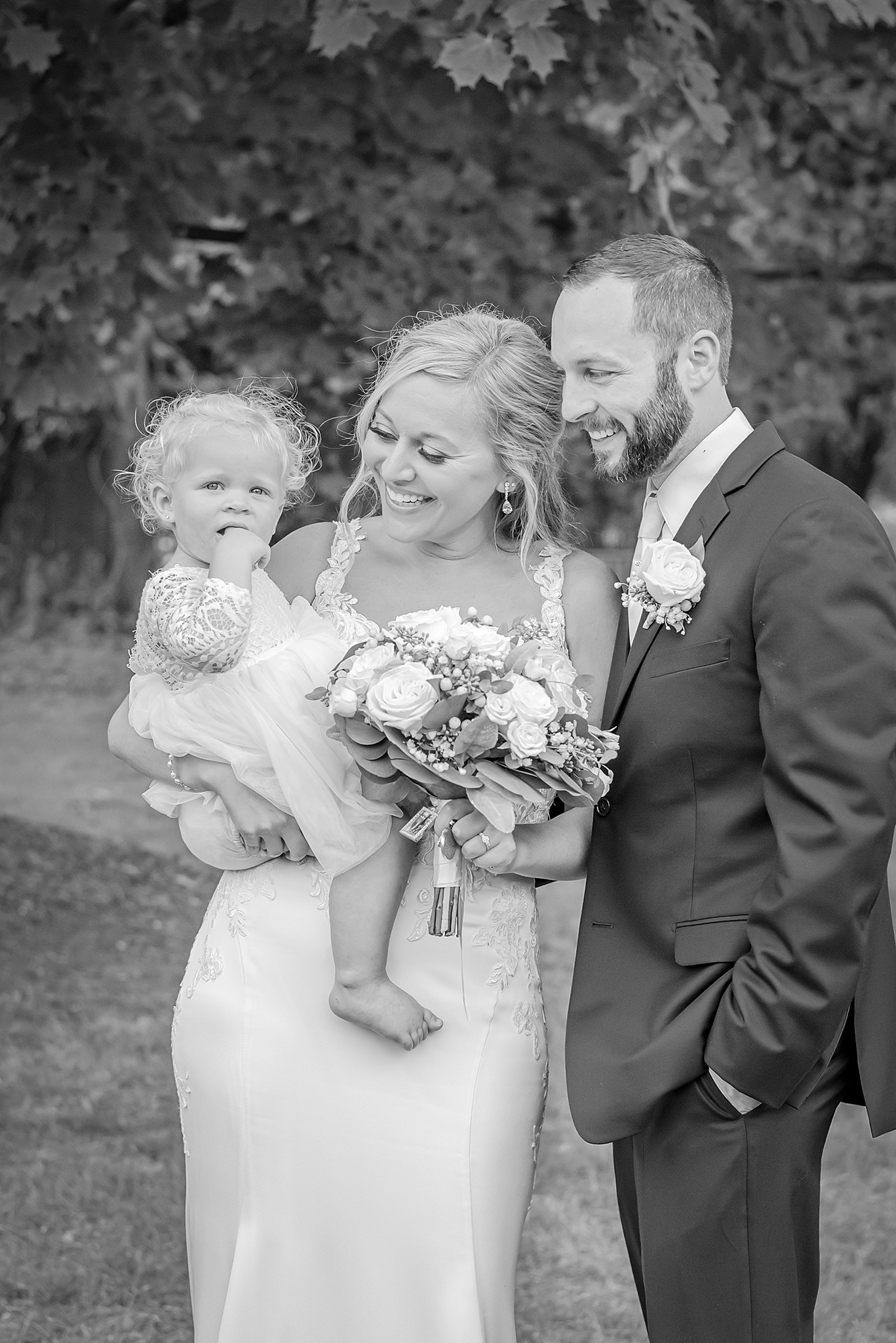 Lindsay-Adkins-Photography-Michigan-Wedding-Photographer-Tecumseh-Michigan-28