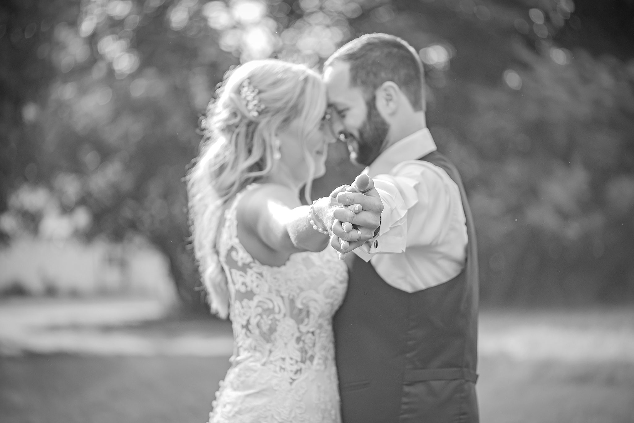 Lindsay-Adkins-Photography-Michigan-Wedding-Photographer-Tecumseh-Michigan-37