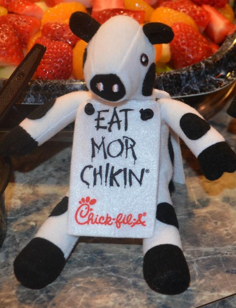 CFA Cow Eat Mor Chikin