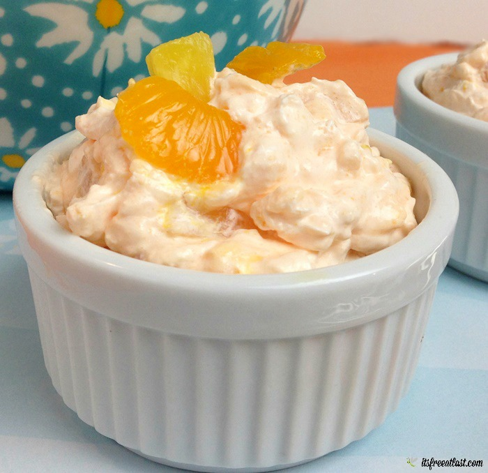 Mandarin Orange Salad with Pineapple and Cool Whip