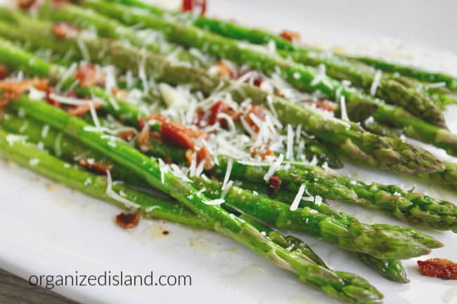 Easy Bacon Parmesan Grilled Asparagus