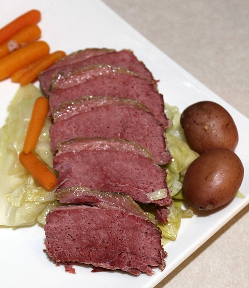 Easy Crockpot Corned Beef And Cabbage Recipe