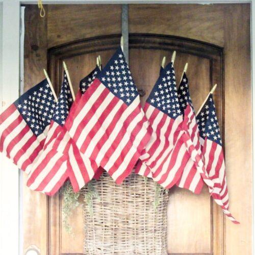 Create a Vintage looking americaN flag
