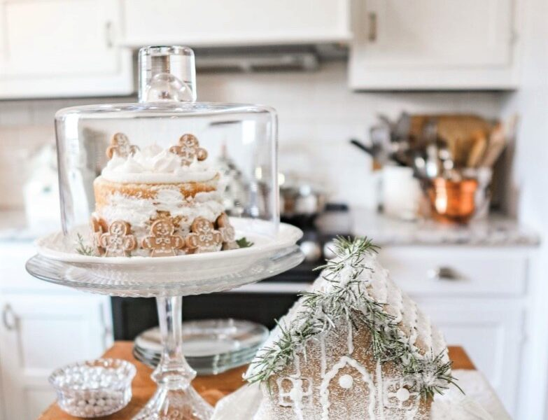 host the perfect gingerbread decorating party
