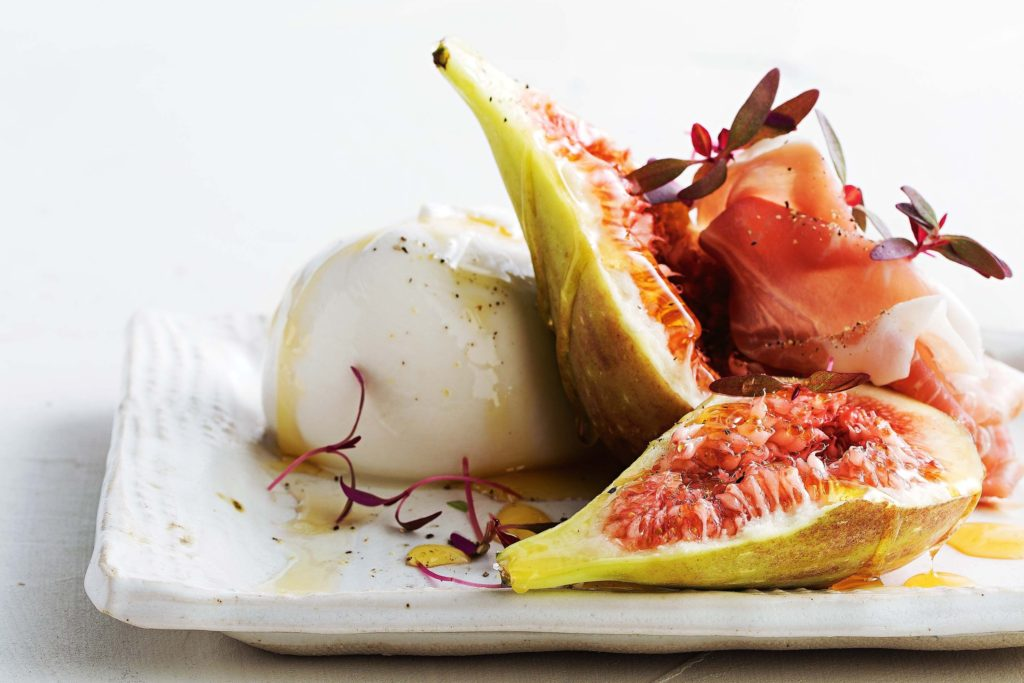 buffalo-mozzarella-with-figs-prosciutto-and-honey-102723-1