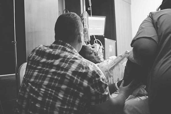 Birth Photography Woman in Labor