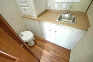 mud logging trailers bathrooms