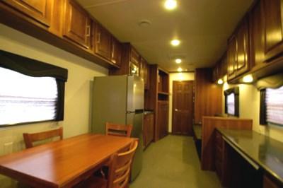 mud logging trailers dining