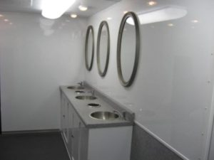 oil field restroom trailers triple sinks