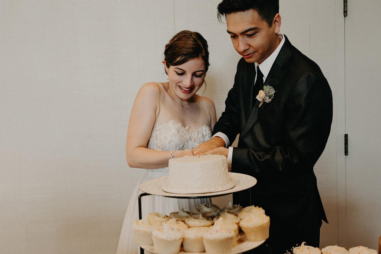 Image of cake cutting
