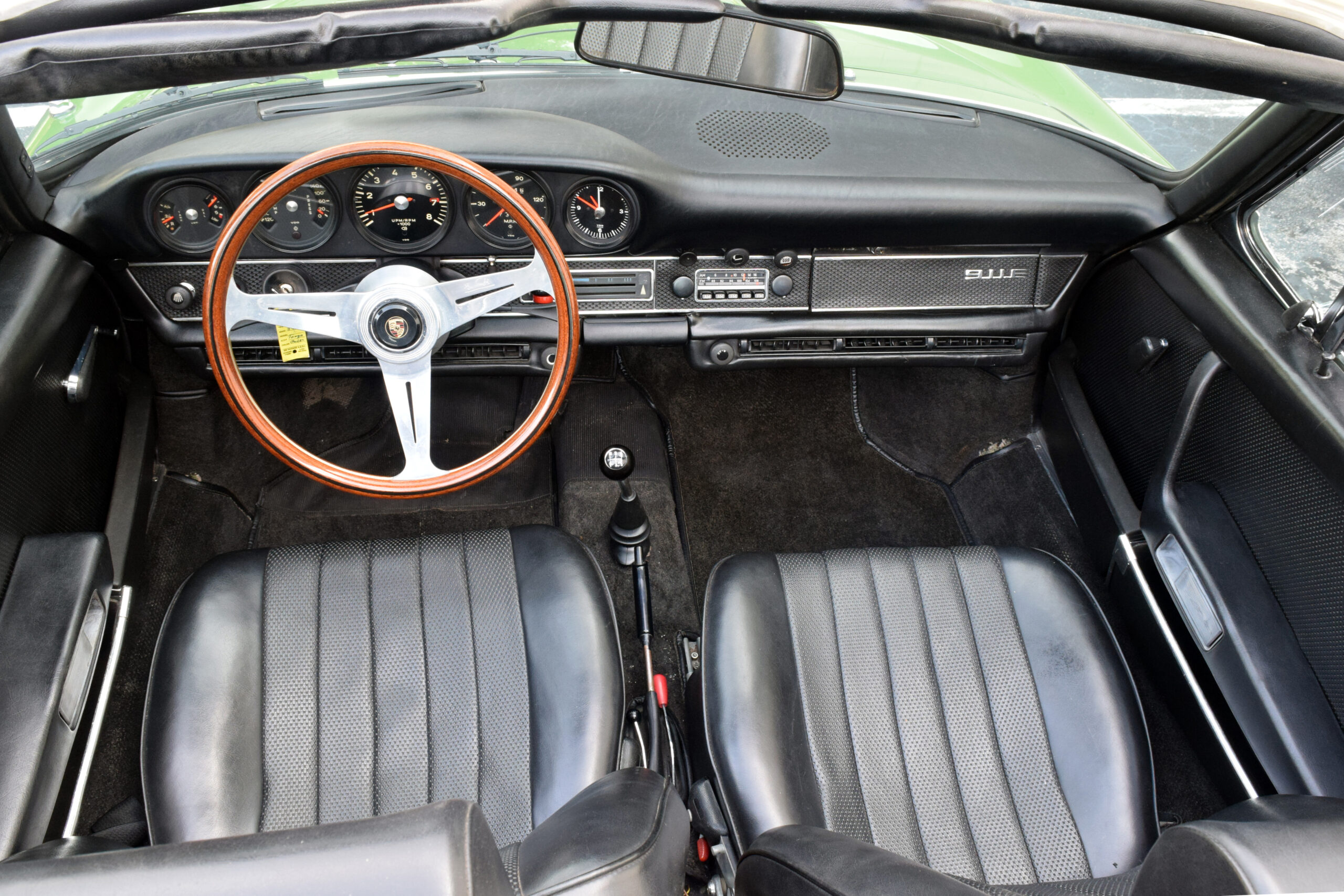 1970 Porsche 911 E Targa Very original rare E model Targa, everything works, A/C works, celebrity owned