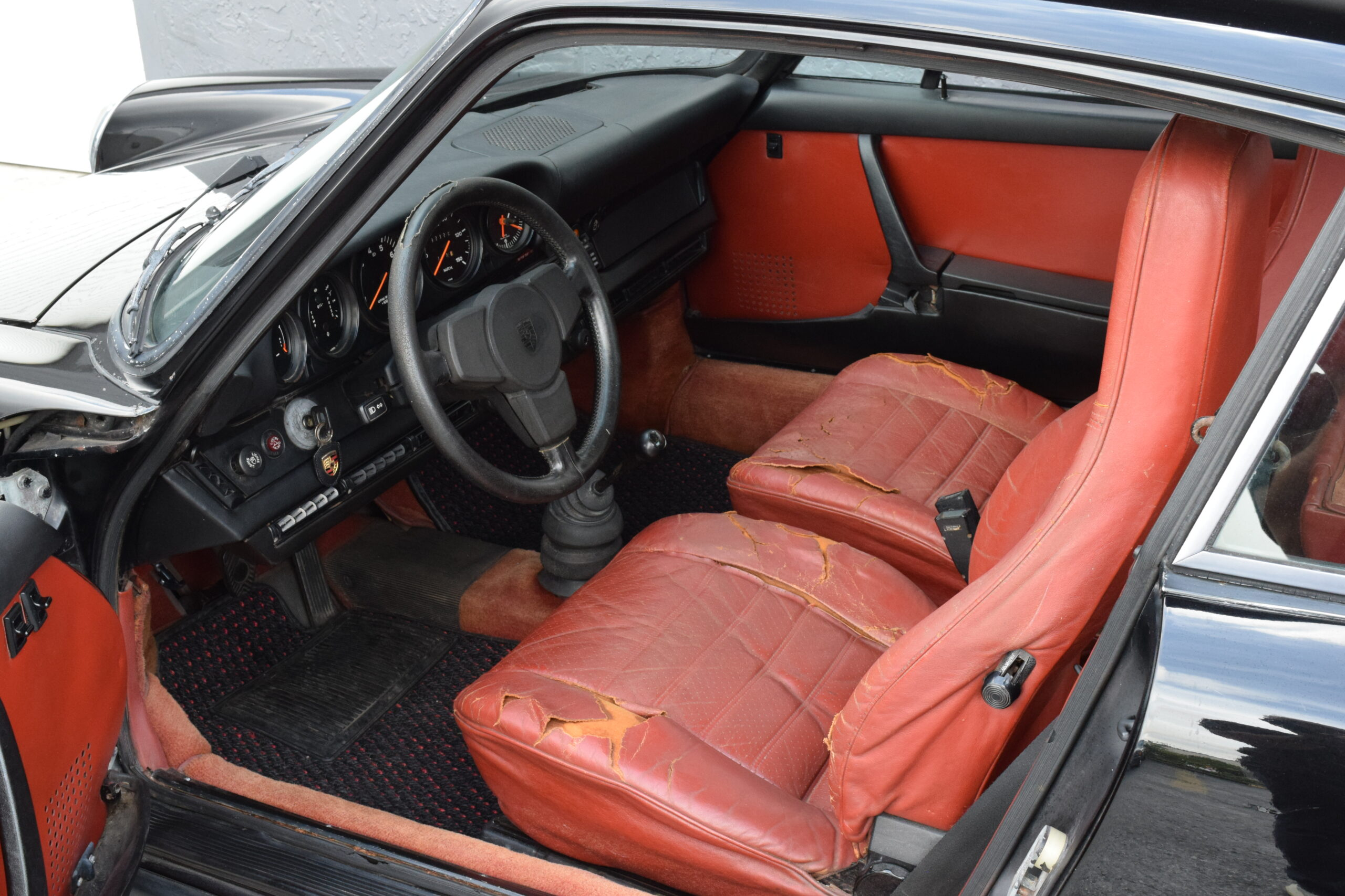 1974 911 Sunroof Carrera US, one of just 518 made, Barn Find, Original interior, Carrera Ducktail, original Manuals and Tools