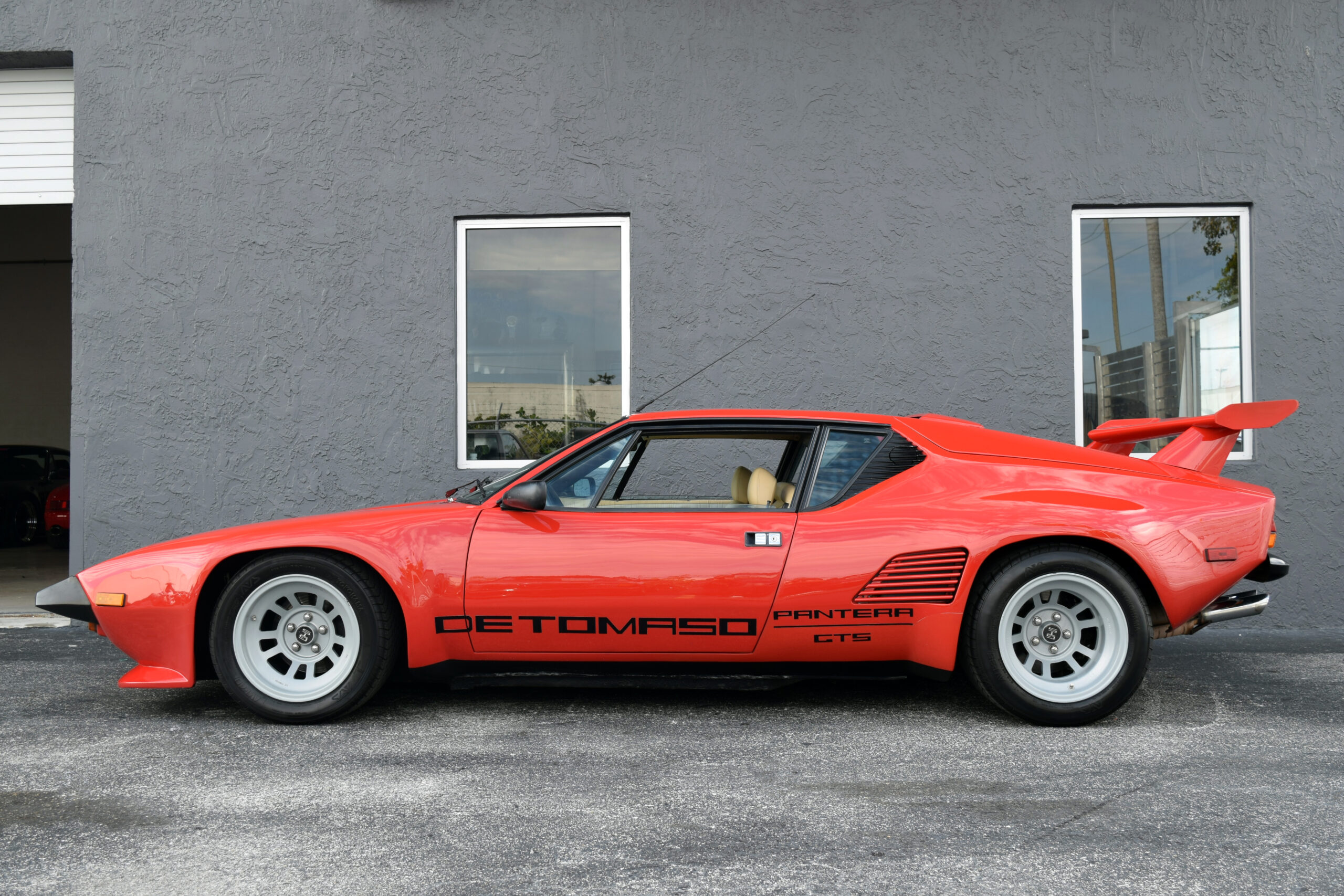 1986 De Tomaso Pantera GT5-S Factory Wide body   Very rare One of only 182 built  Pantera GT5-S produced, one owner since new in Maranello Italy —- All original unmodified car.