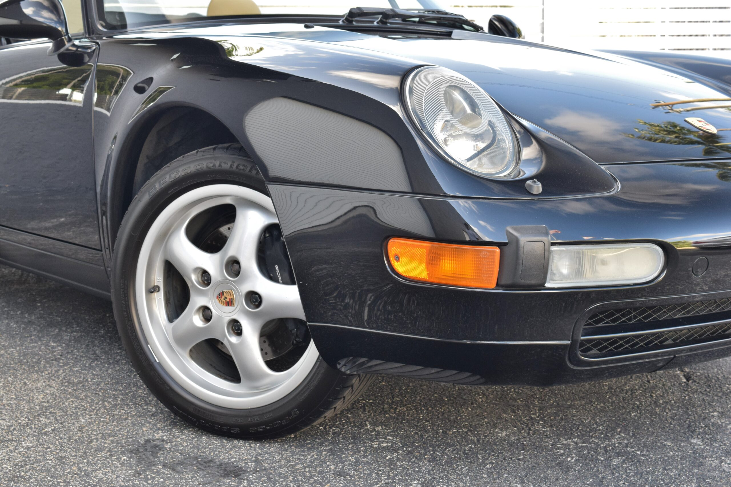 1995 Porsche 911 Carrera 993 6 Speed – Desirable Color Combination- Meticulously Maintained – West Coast Car