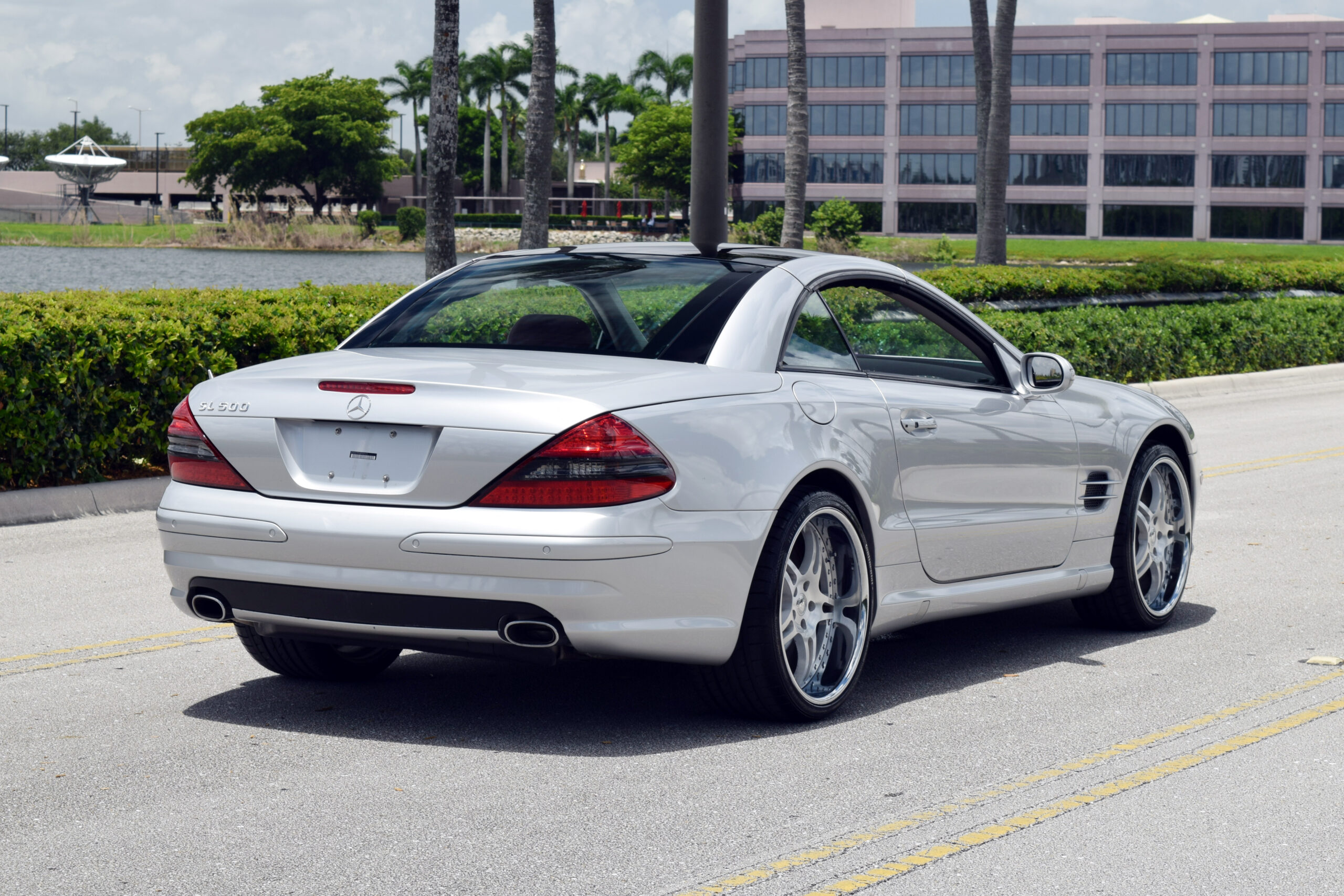 2003 Mercedes 500SL Low Miles, ONLY 34K Miles, Glass Convertible Hardtop, Loaded with options, Rare Color Combo, Custom Wheels