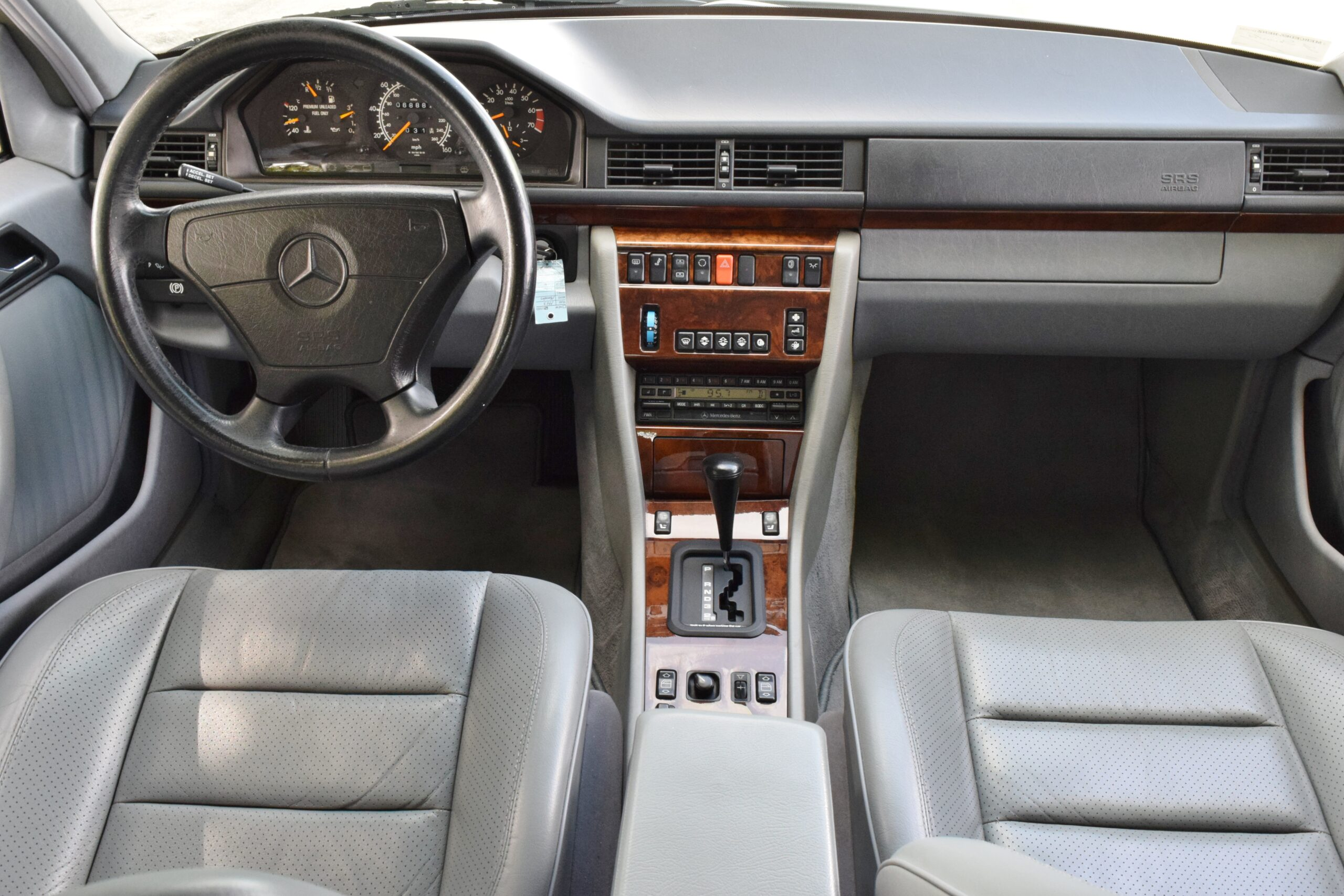 1993 Mercedes-Benz 500E W-124 Rare Arctic White – ONLY 68K Miles – Detailed Maintenance and Service History