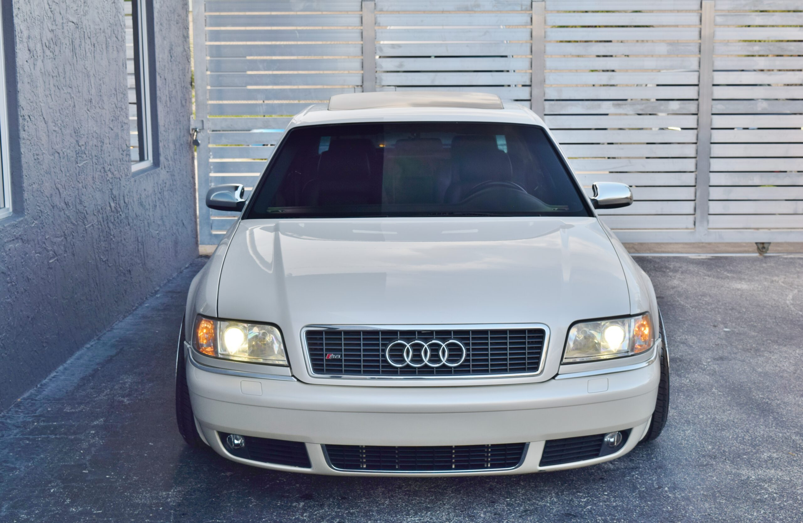 2002 Audi S8 Only 80K Miles-Custom airlift suspension-Custom HRE Wheels-Custom Sound System