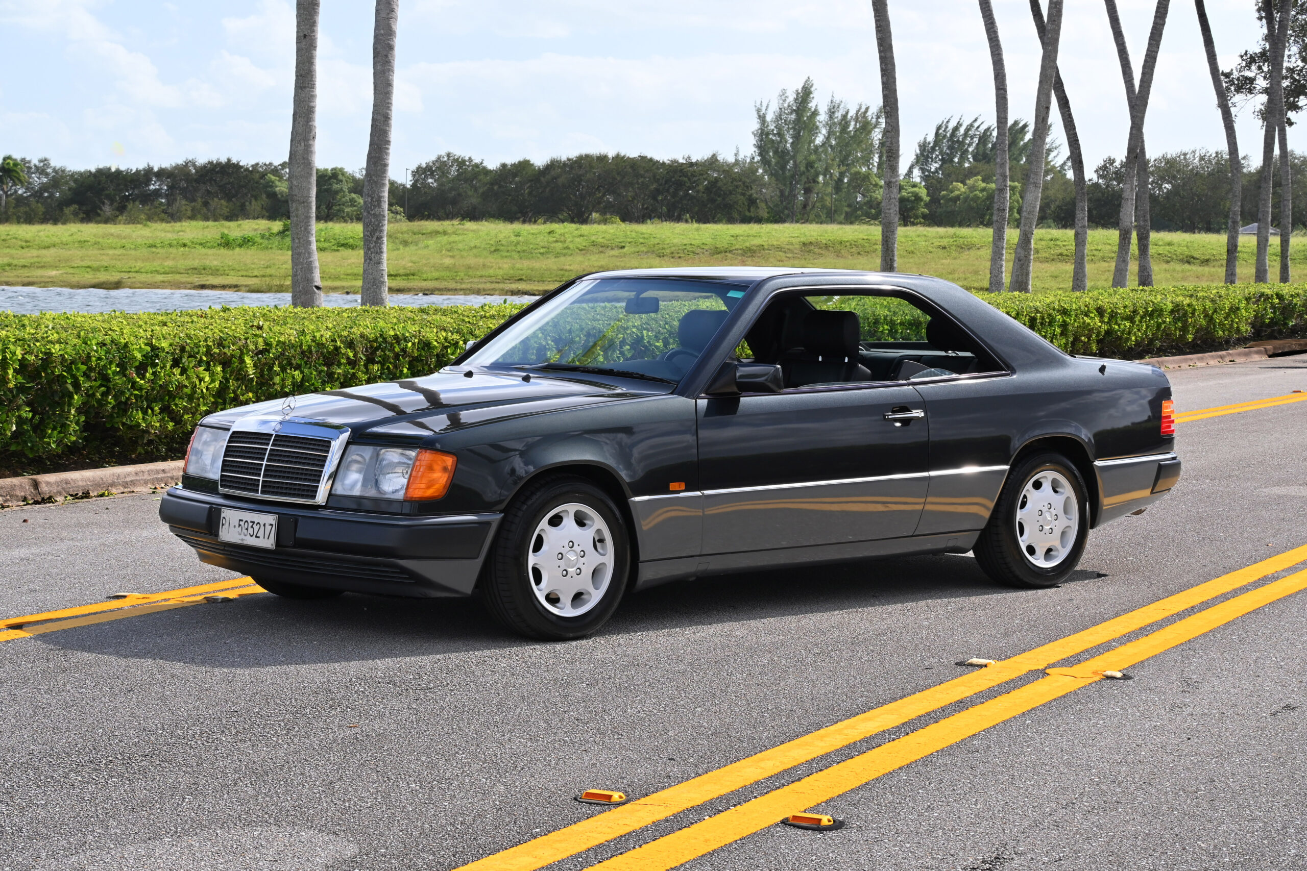 1992 Mercedes-Benz 300 CE-24V, Rare factory 5-Speed dogleg, sunroof delete, Sport Suspension and Limited Slip, in almost new condition, one owner