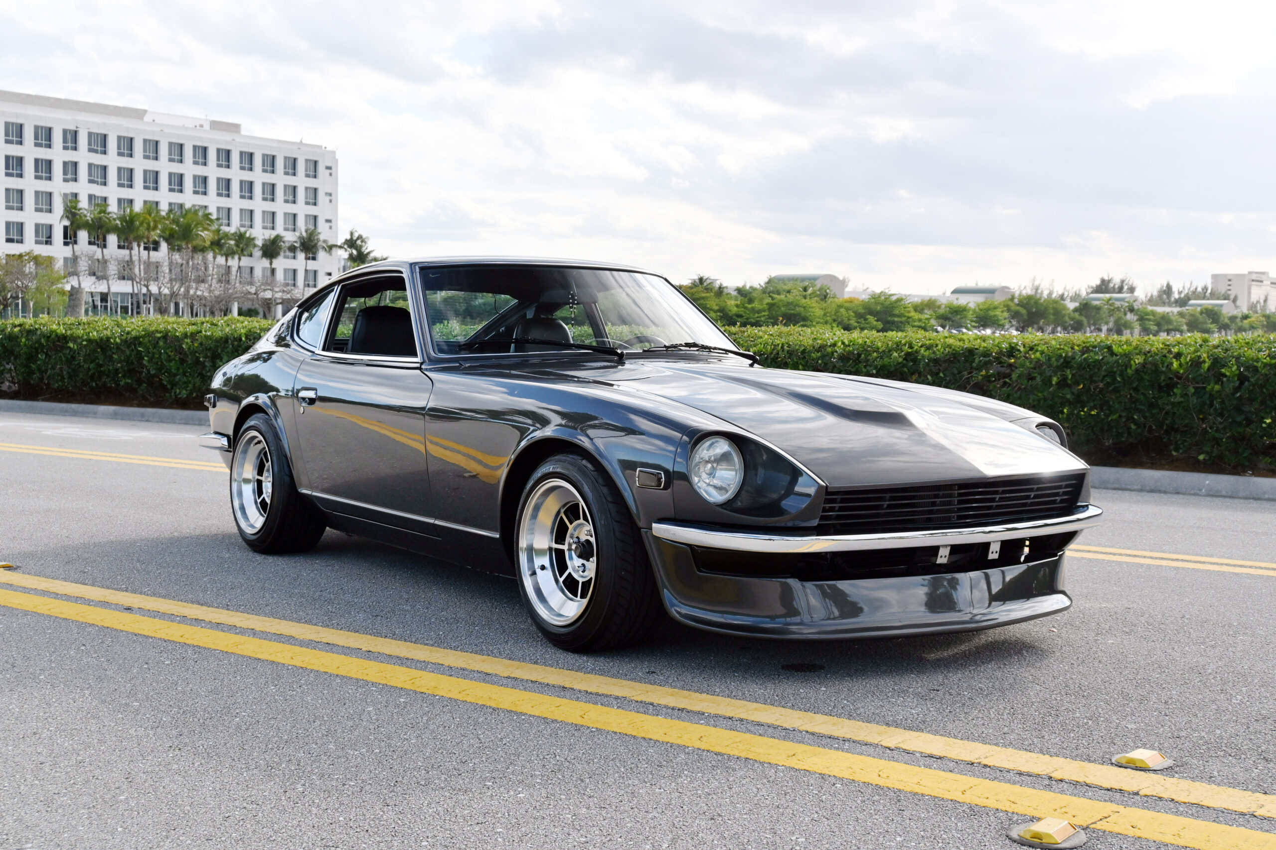 1974 Datsun 260Z Show Car look, California car, fresh paint, Weber 44s, Headers, lots of updates