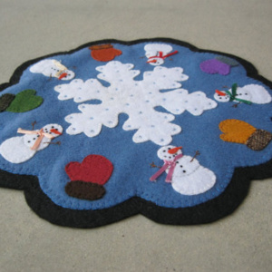 Snowmen and Mittens Penny Rug