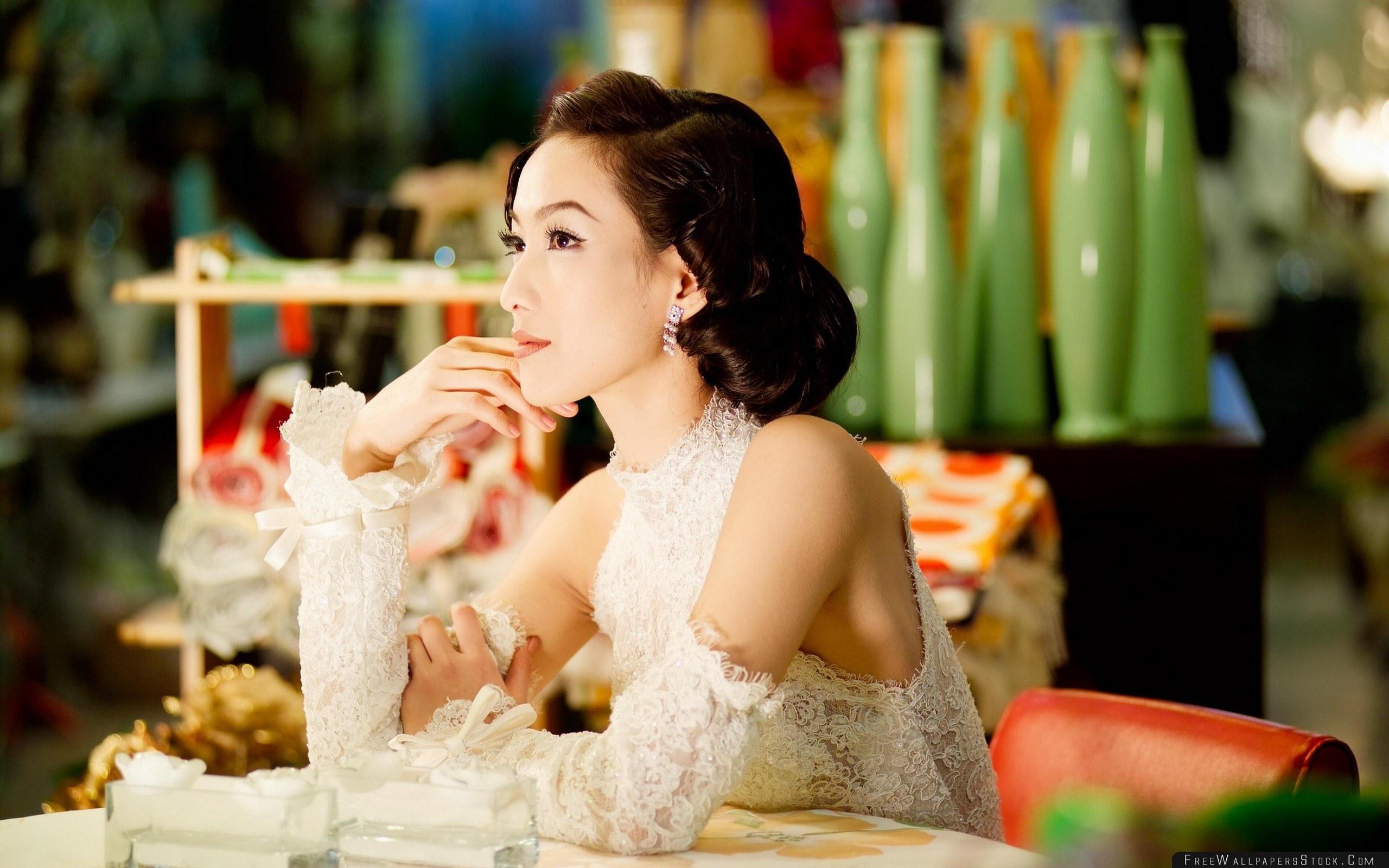 Download Free Wallpaper Asian Dress Banquet