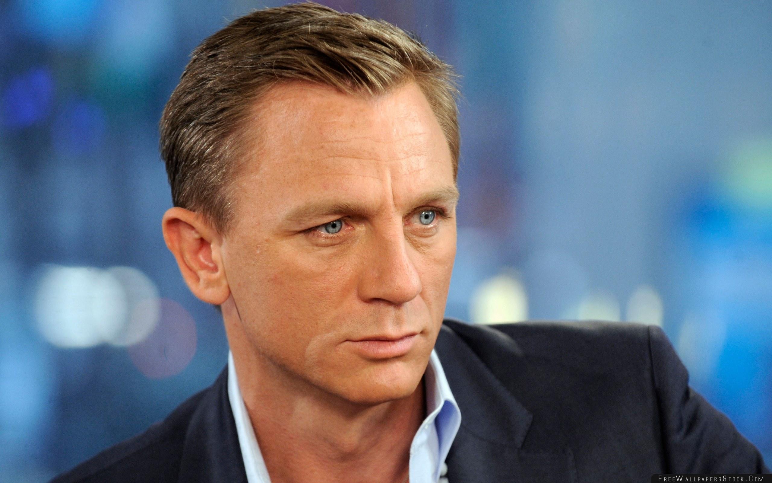 Download Free Wallpaper Daniel Craig Actor Person Man Jacket